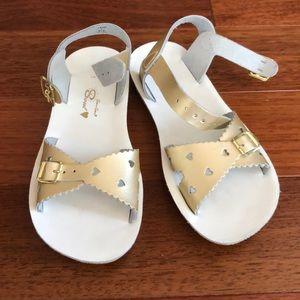 Girls gold sandals size 1
